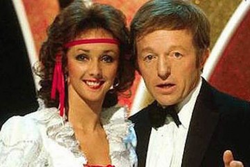 paul daniels and assistant and wife debbie mcgee appeared in their own tv show the paul daniels magic show