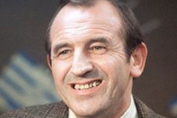 leonard_rossiter_in pygmalion smith 1974 episode from bbc comedy playhouse