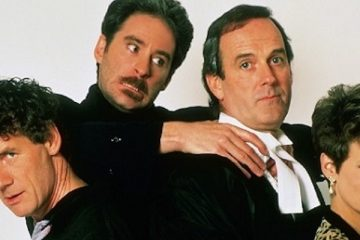 John Cleese and Michael palin star alongside Jamie Lee curtis and kevin cline in a fish called wanda