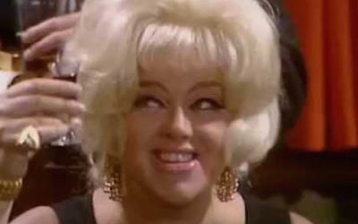 diana dors stsrs in the itv sitcom queen's castle