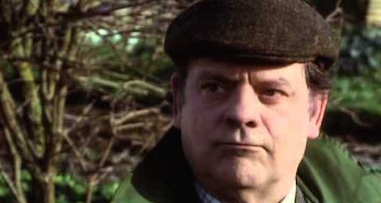 David Jason returns as Del Boy Trotter in 1992's Only Fools and Horses Christmas special Mother nature's son