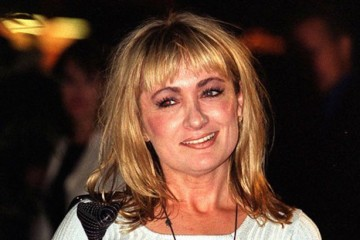 caroline aherne looses her battle with throat cancer aged 52