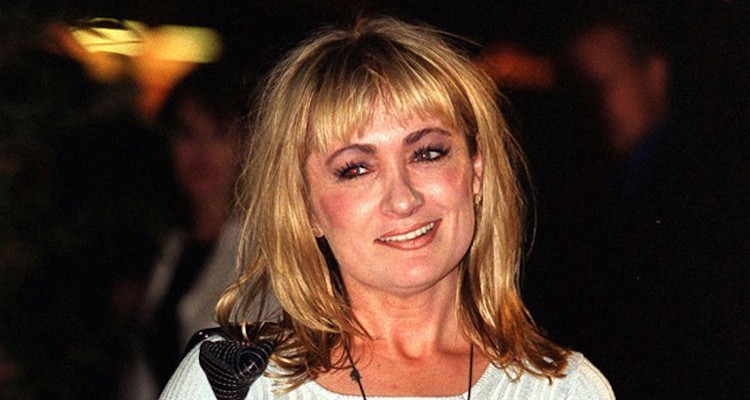 caroline aherne looses her battle with throat cancer aged 52