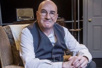 simon day is alf garnett in the 2016 bbc lost sitcom episode Till Deasth Do Us Part - a woman's place is in the home