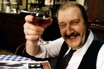 Gordon Kaye who played Rebe in Allo Allo has died