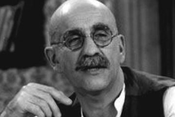 warren mitchell makes his debut as alf garnett in till death us do part