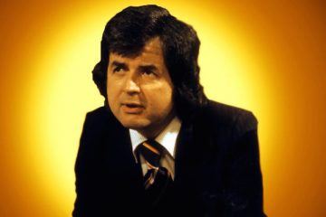 rodney bewes stars in the 1981 bbc radio sitcom a very private man