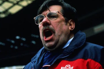 ricky thomlinson takes on the england job in mike bassett england manager