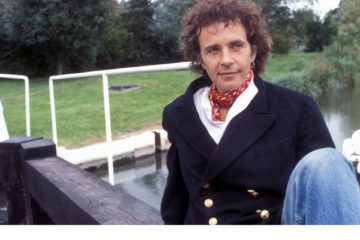 david essex stars in 1980's bbc sitcom the river
